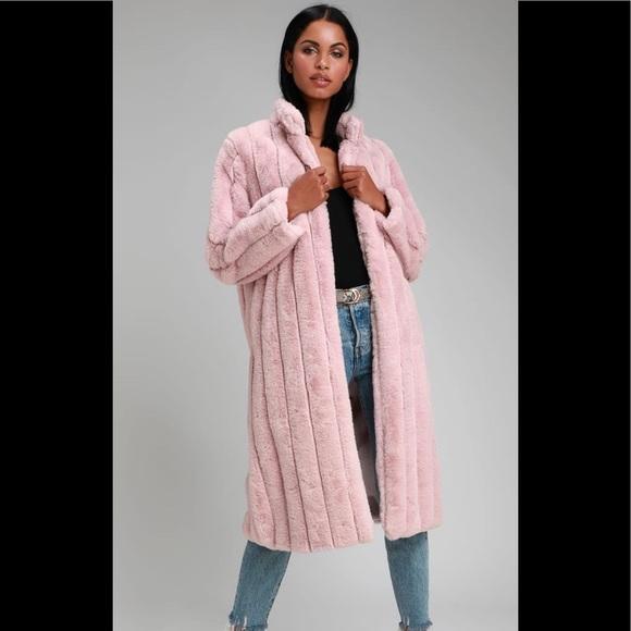 Ultra comfy faux fur coat light pink